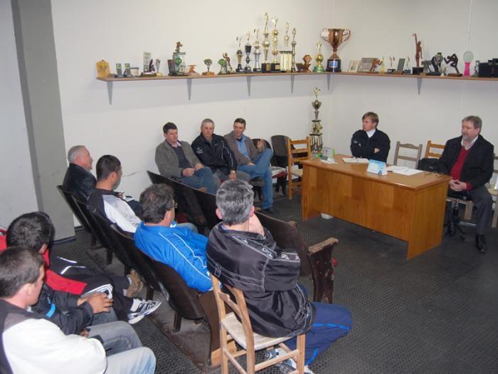 Encontro foi conduzido pelo prefeito e pelo diretor do DMD, Valentin Breginski.