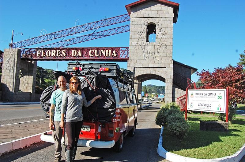 Casal Hugo Maiori e Thaisa passaram por Flores da Cunha antes de seguirem para os Estados Unidos.