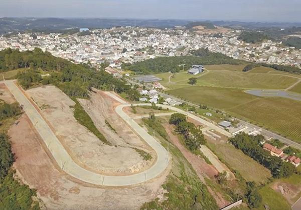 Vista parcial do loteamento Villa Toscana, na Zona Norte de Flores da Cunha.