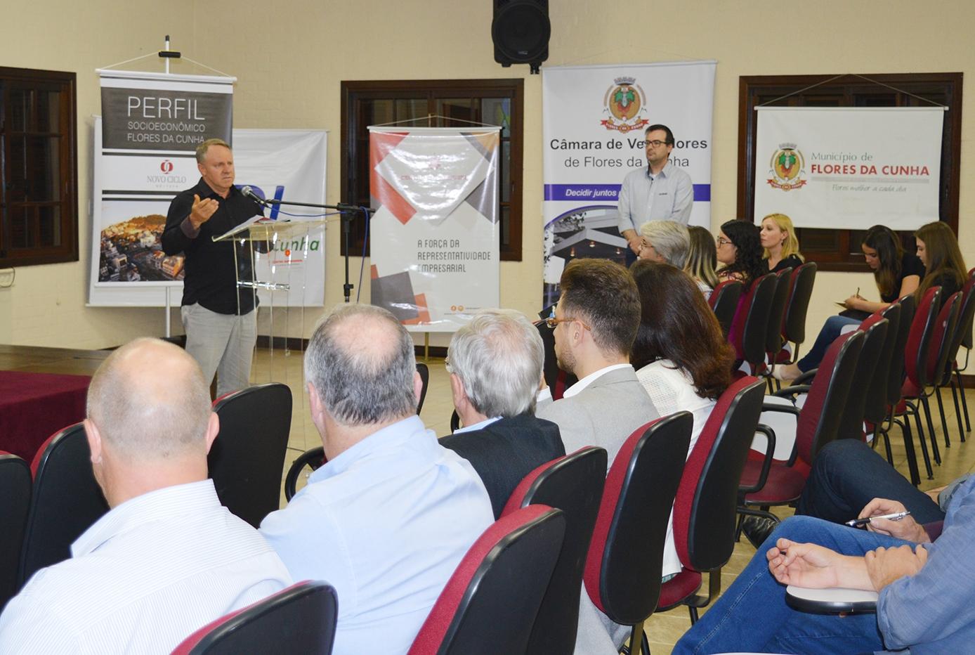 Lançamento reuniu convidados no Centro Empresarial.