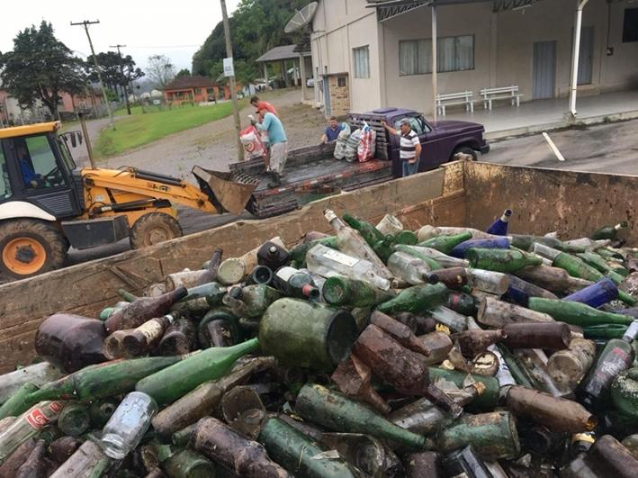 Campanha de recolhimento de vidros destinou 20.680 kg de material para a reciclagem.