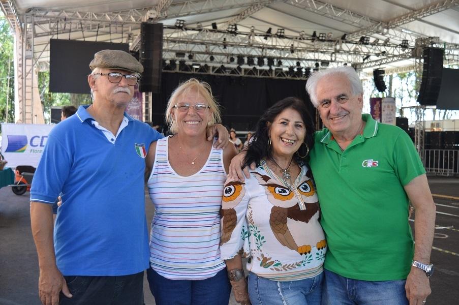 Os paulistas Donato e Marli Stillo e Celso e Sônia Ponzoni