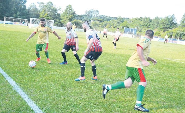 Equipe do Divino venceu o Sevilla e agora enfrenta o Tabajara pela Série Ouro.