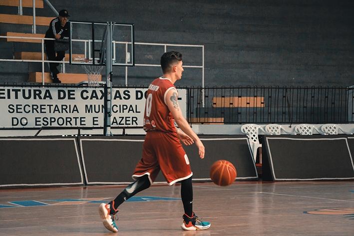 Guilherme Reginato atuando pelo Rooster Barrels nos Jogos Abertos de Caxias do Sul, em 2019.