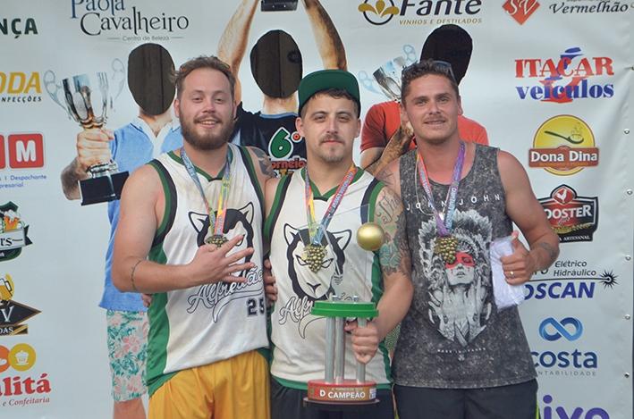 O trio formado por Murilo (E), Diego (C) e Benhur (D) conquistou o 4º título da modalidade em 2018, quando foi disputada a 6ª edição do torneio.