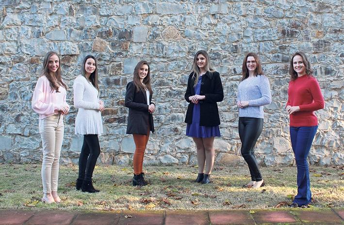 As seis candidatas (da esquerda para a direita): Andressa Manosso, Érica Facchi, Giovana Andreazza, Kátia Smiderle, Luana Molon e  Marília Cagnin.