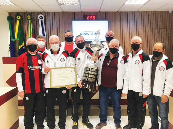 Direção do clube recebeu Moção de Congratulações da Câmara de Vereadores paduense.