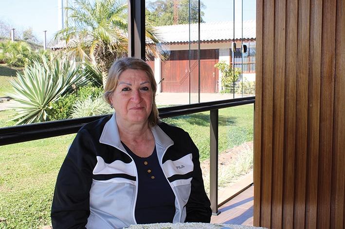 Zeli Pinzon Tonet dedicou-se 25 anos à escola da localidade.