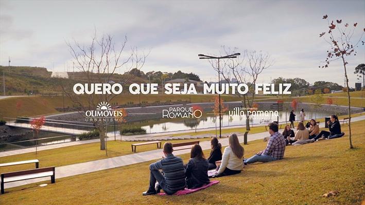 Vídeo 'Quero que seja muito feliz' contou com a participação de funcionários e clientes da Olimóveis, além de pessoas da comunidade.