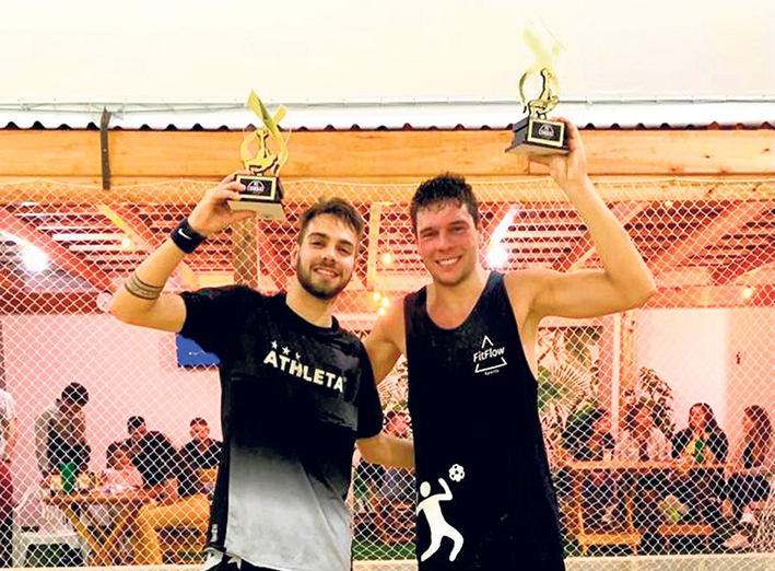 César Fiorio e Lucas Isoton conquistaram o titulo do RS Combat de Futevôlei, realizado em Porto Alegre.