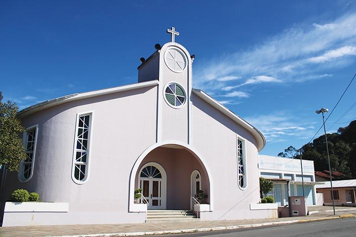 Igreja da comunidade foi inaugurada em 1997.