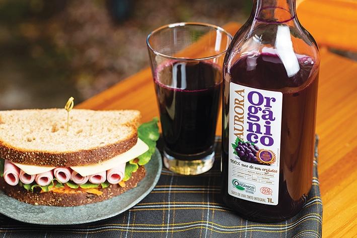 Vinícola  Aurora lança o  primeiro suco de uva integral orgânico da empresa.