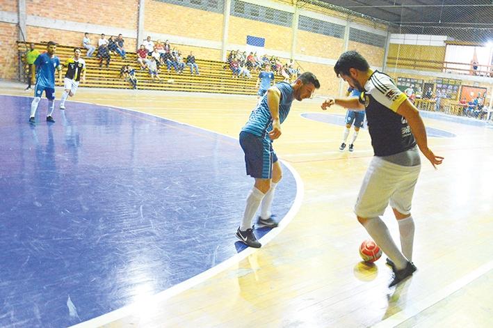 Depois da vitória na estreia, o Loteamento Jorge Baggio derrotou o Vandekas por 5 x 2, pela segunda rodada.