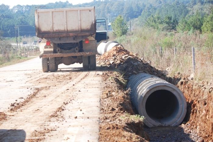 Prefeitura encaminhou investimento de R$ 250 mil em 700 metros de canalização.