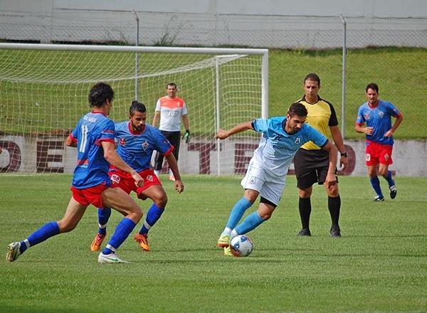 Aparecida e Nova Pádua empataram em 1 x 1 no Estádio Homero Soldatelli.