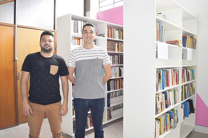 O presidente da entidade, Maico Vinícius Ferraz de Lima, e o vice-presidente, Jonatas Negri da Costa.